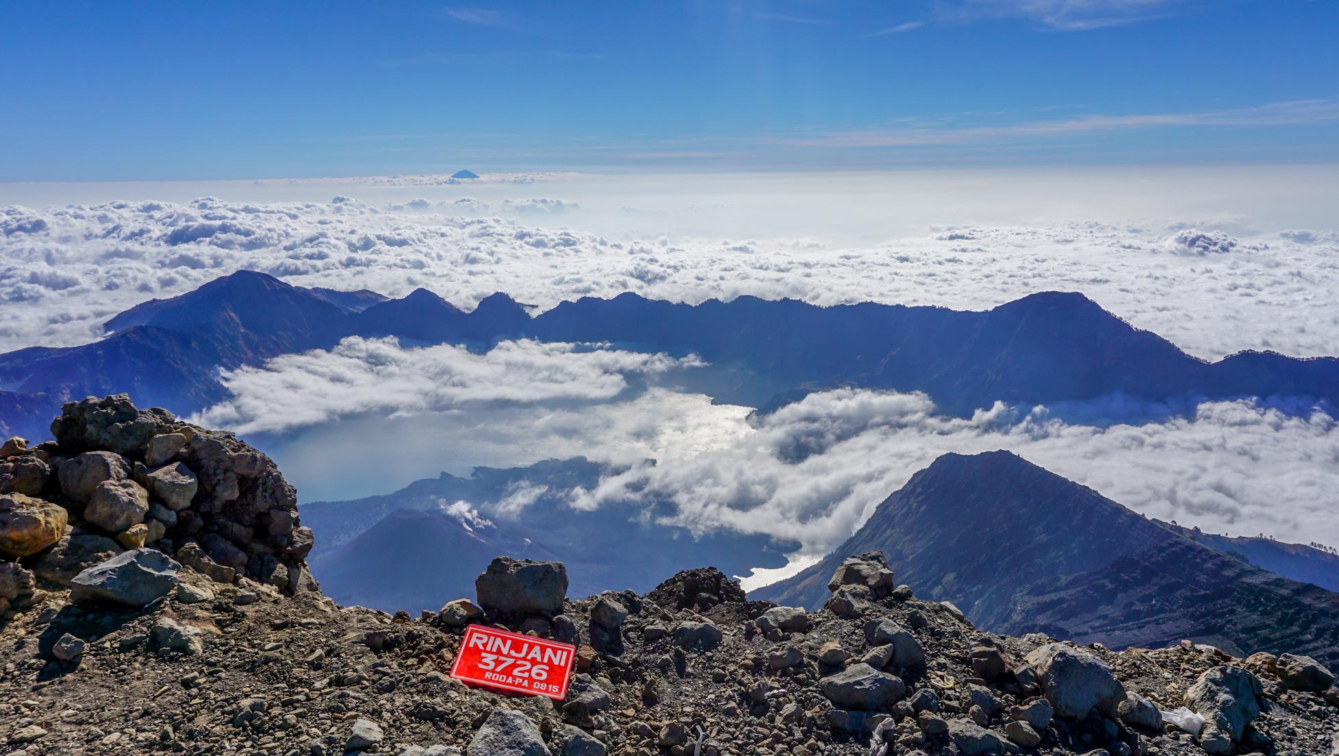Wulkan Rinjani na własną rękę – jak to zrobić?