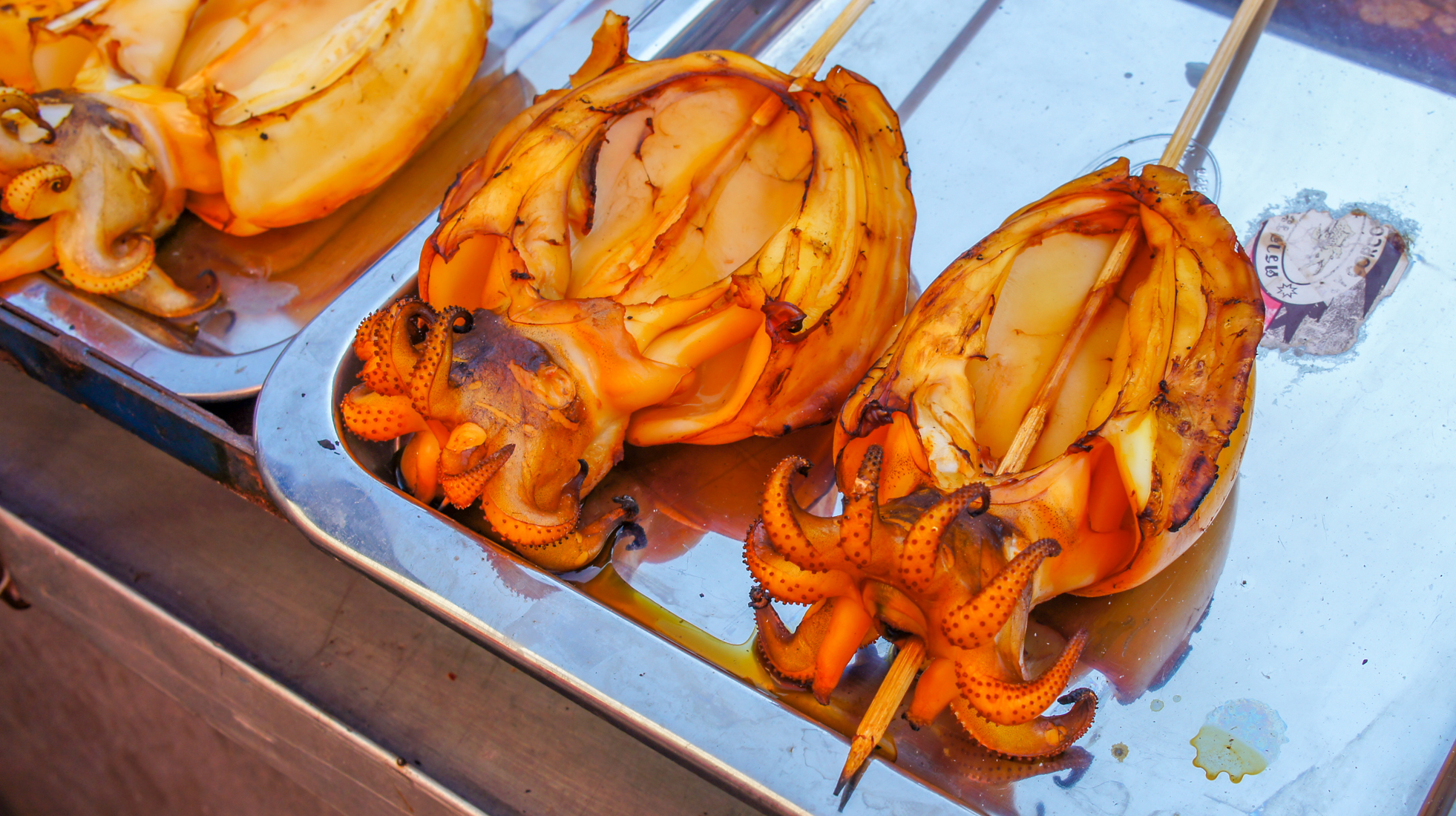 Azjatycki street food – jak jeść i przeżyć?