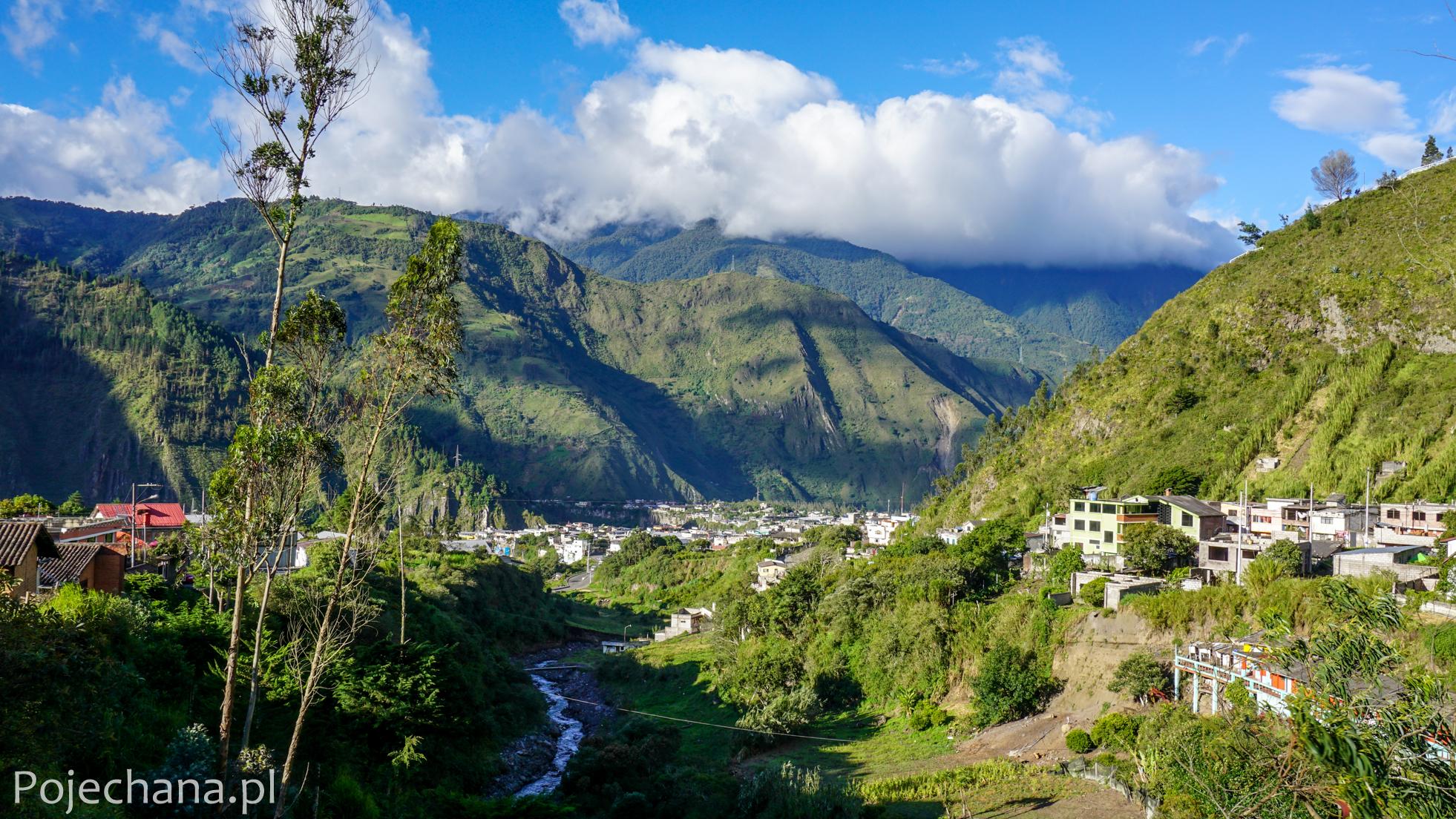 panorama górskiego miasteczka w Ekwadorze