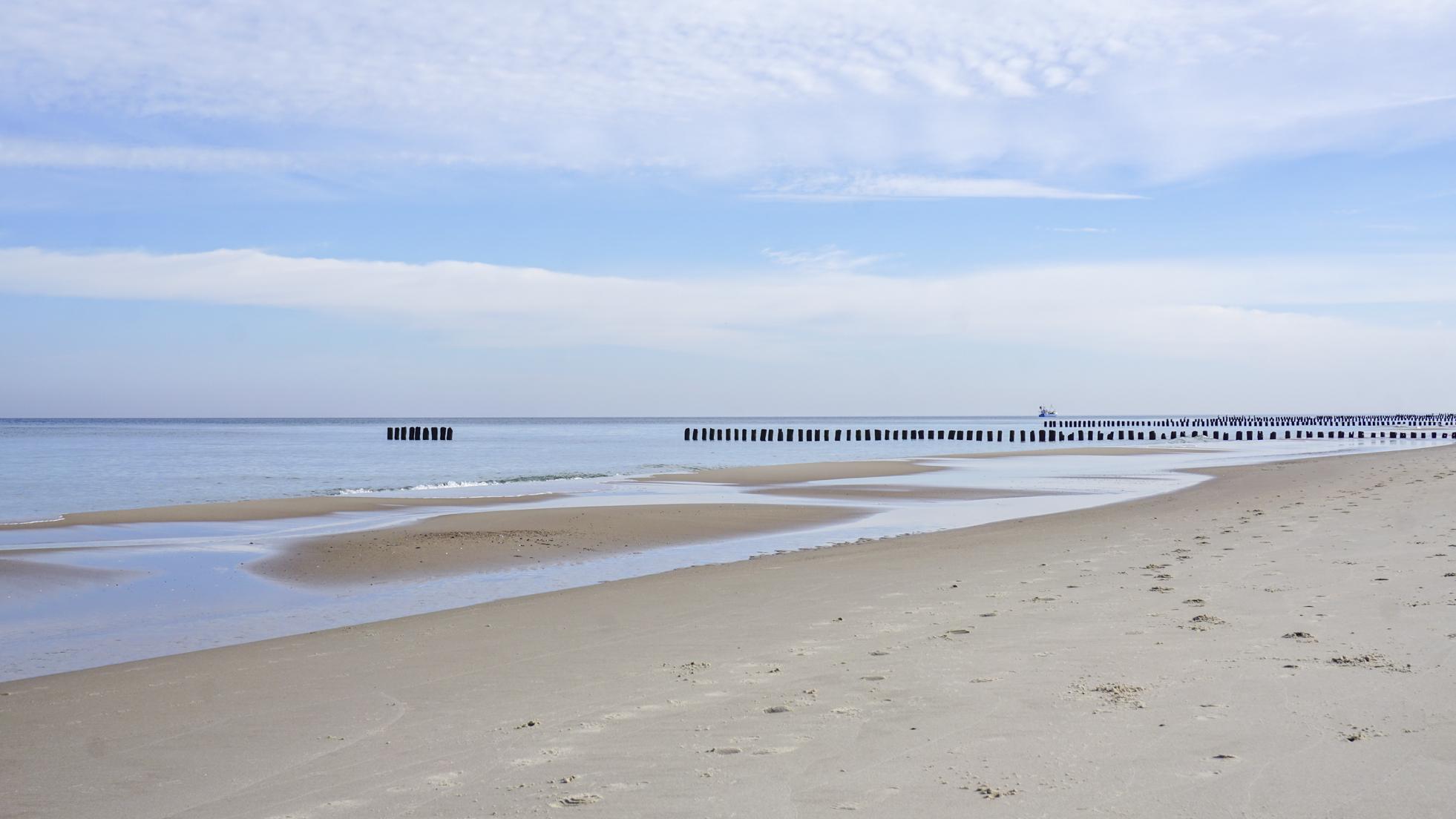 Puste plaże, wiatr w żaglach – kocham Bałtyk poza sezonem